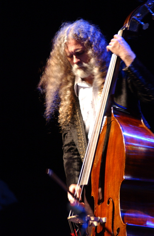 Jeff Basile, stand up and electric bass